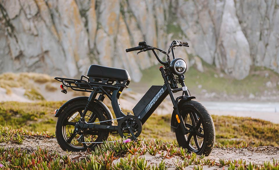 Juiced.Bikes .Scorpion.X.Lifestyle.1 A Look At the All New Scorpion X Electric Moped-Style Bike